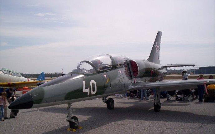 An Aero L-39 jet trainer