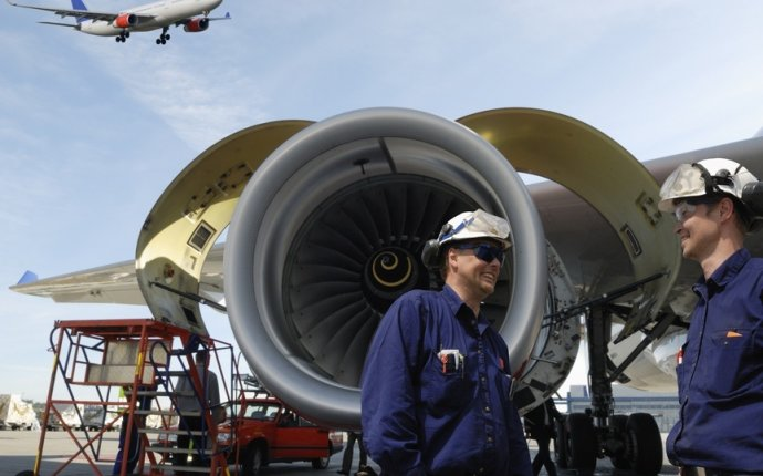 Aircraft mechanic career
