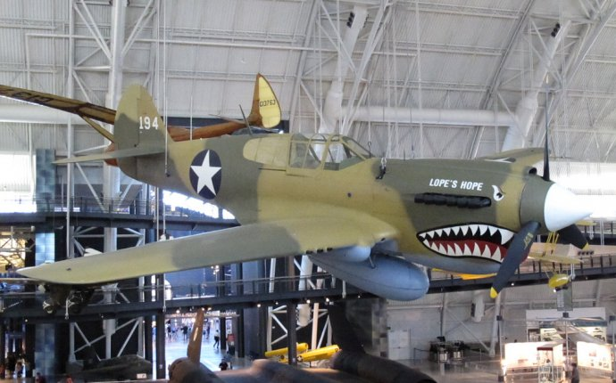 CURTISS P-40E WARHAWK (KITTYHAWK IA
