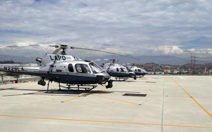 Three LAPD patrol helicopters