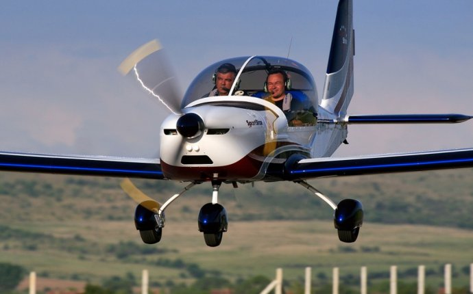 Learn to Fly Light Sport Aircraft | St. Charles Flying Service