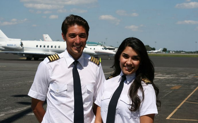 How to become commercial pilot in USA?